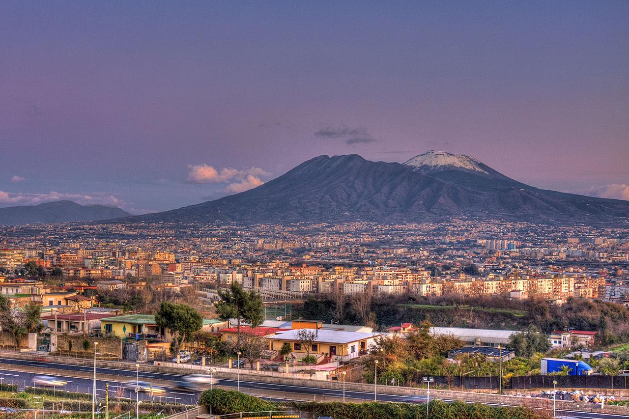 1280px-Mount_Vesuvius_in_Naples,_Italy,_Napoli1
