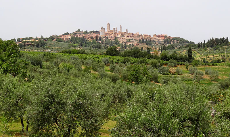 800px-San-Gimignano-South-2012