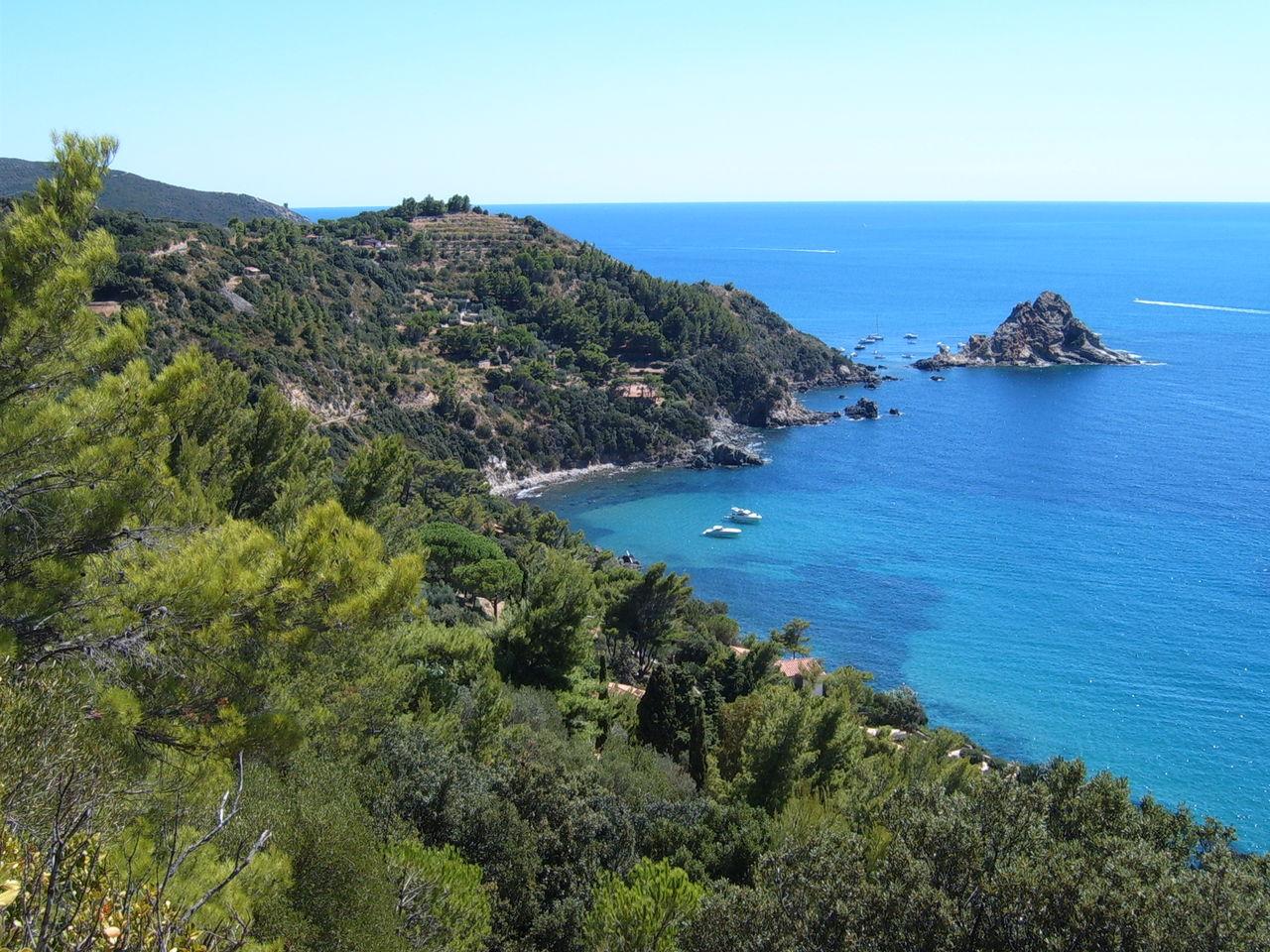 1280px-Monte_Argentario_Isola_Rossa