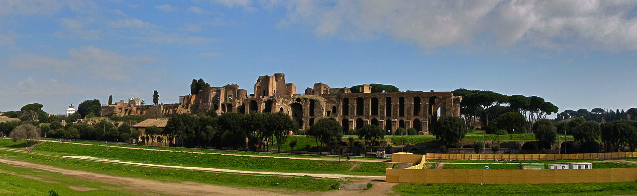 1280px-Palatine_Hill_Rome_Panorama_from_Circus_Maximus