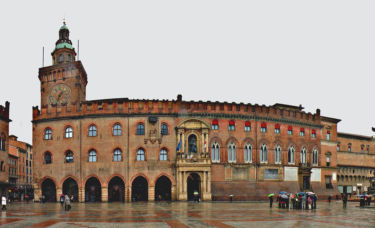 1280px-Palazzo_Comunale_(Bologna)[1]