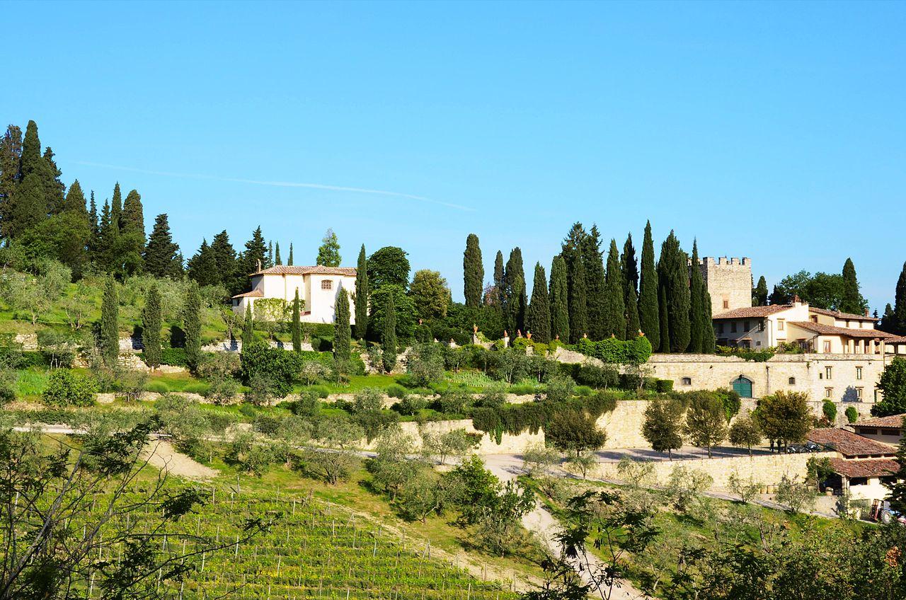 1280px-Verrazzano_Castle