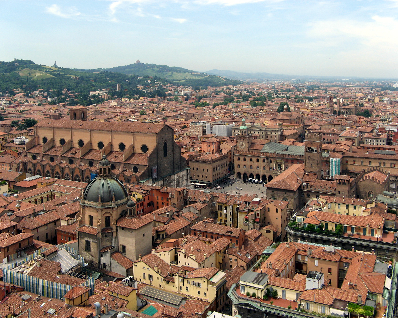 Bologna-SanPetronioPiazzaMaggiore1[1]