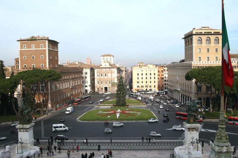 Roma.Piazza_Venezia[2]