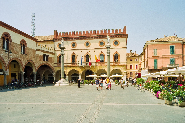 Ravenna: Piazza del Popolo