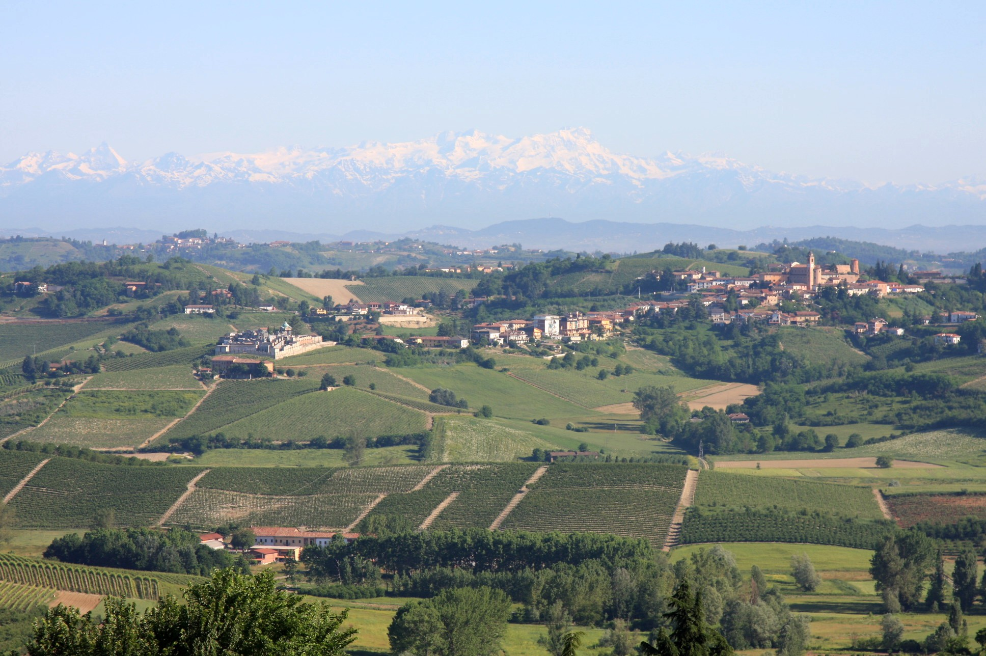 Matterhorn, Monte Rosa, and Castelnuovo Calcea in Piedmont's Wine Region