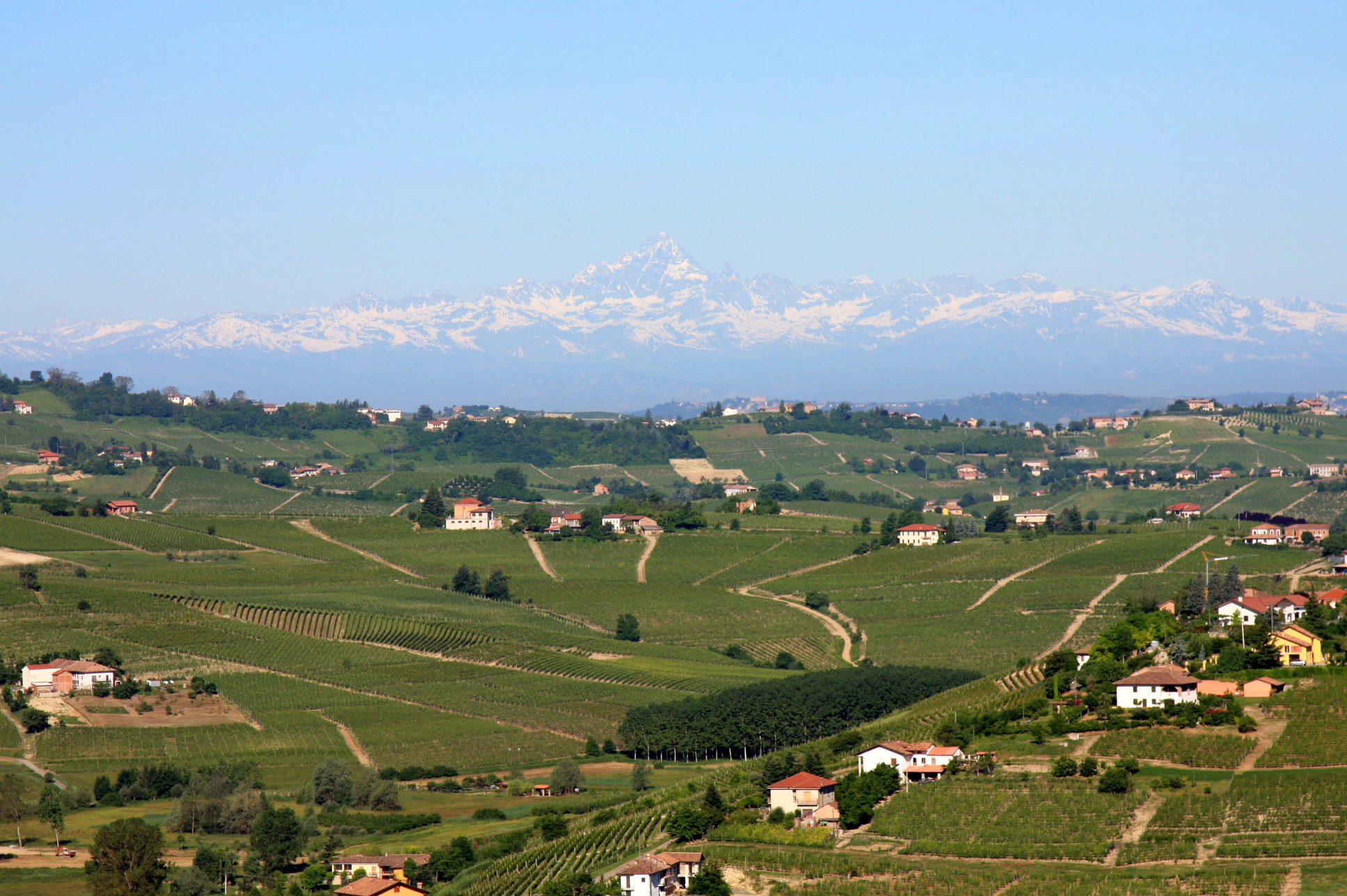 Monviso taken from San Marzano Oliveto, 60 miles (96 kilometers) away