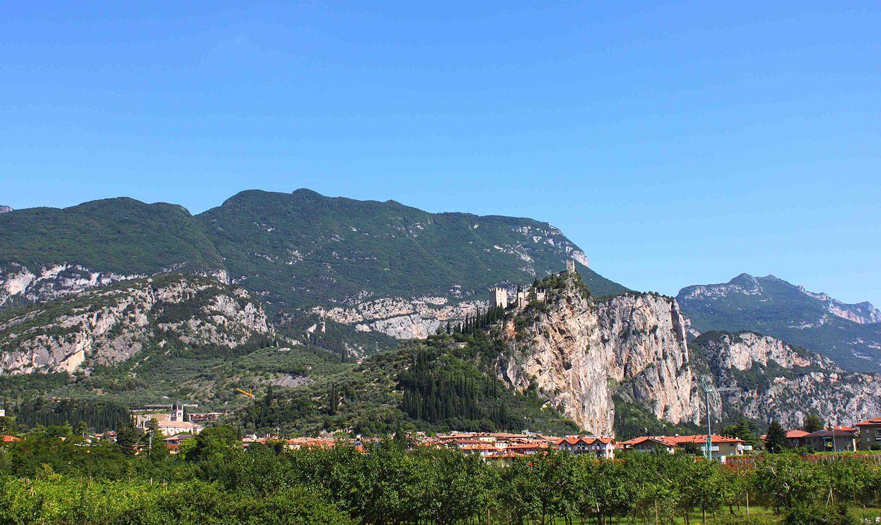 1280px-Arco_Trentino[1]