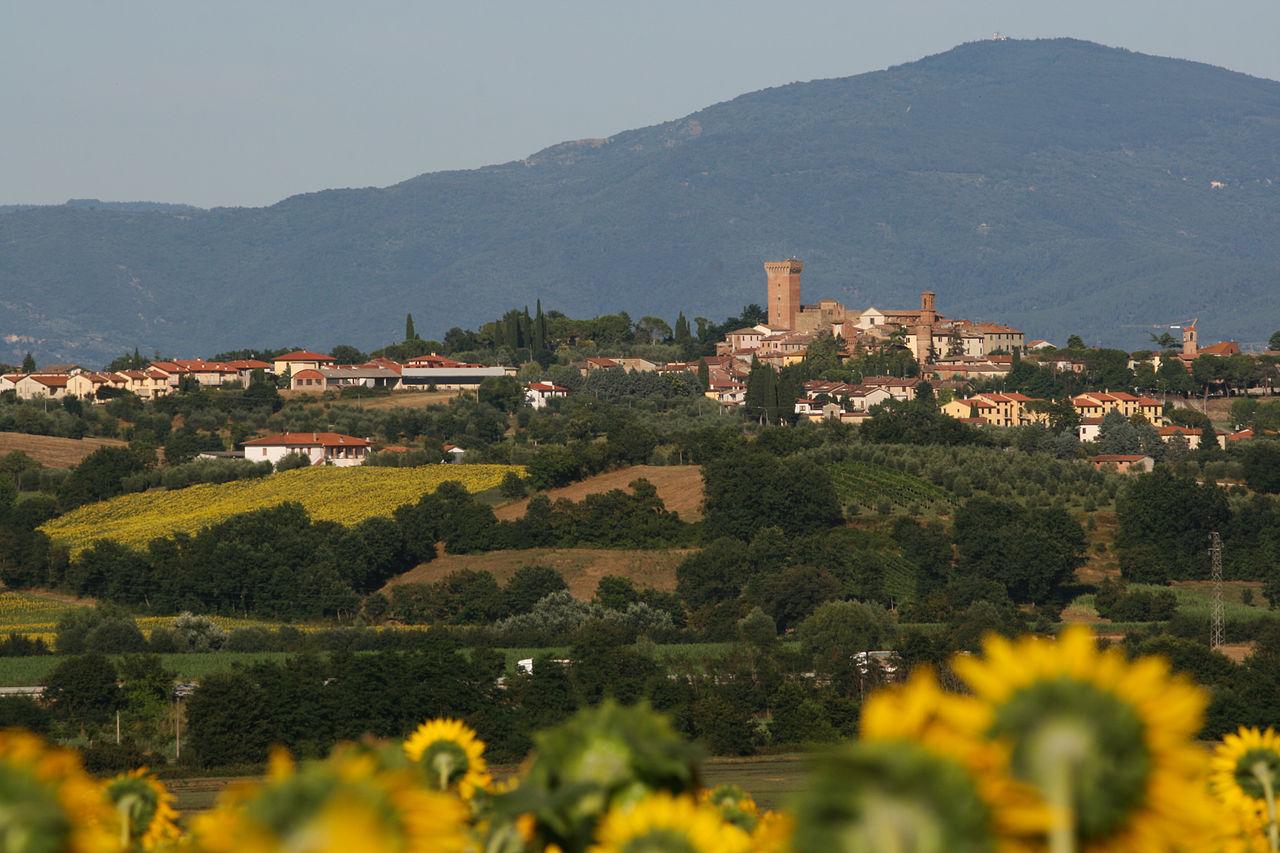 1280px-Panorama_Marciano_della_Chiana