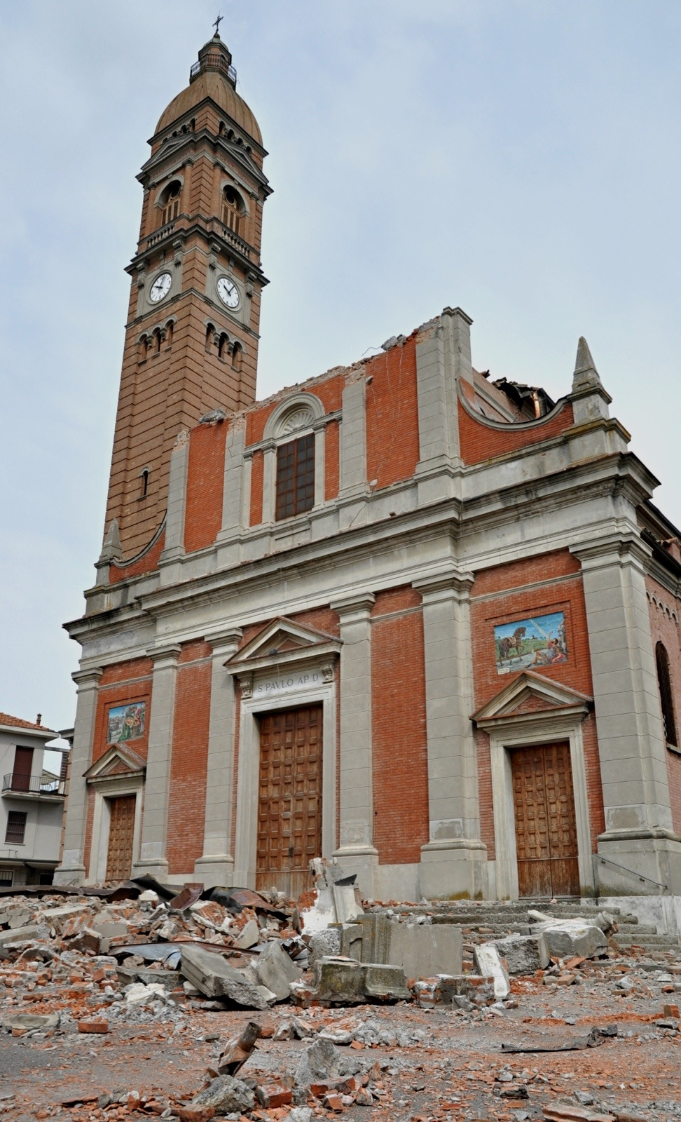 Chiesa_di_San_Paolo_-_Mirabello_-_Province_of_Ferrara_-_2012_Northern_Italy_earthquake_-_(1)