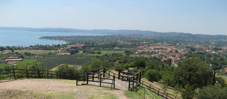 Blick auf den Golf von Desenzano und der Valtenesi