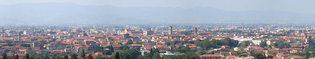 1024px-Prato,_panorama