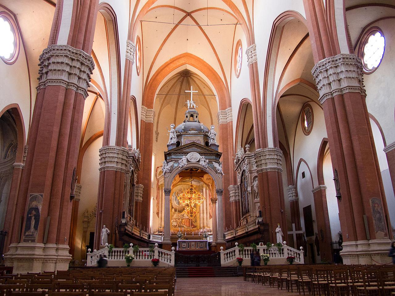 1280px-Bologna_BasilicaSanPetronio_InteriorView