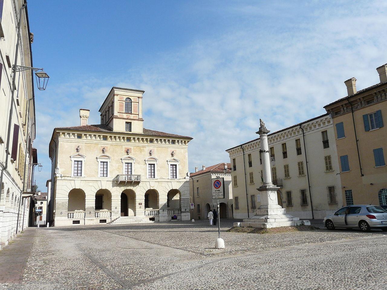 1280px-Sabbioneta-piazza_ducale[1]