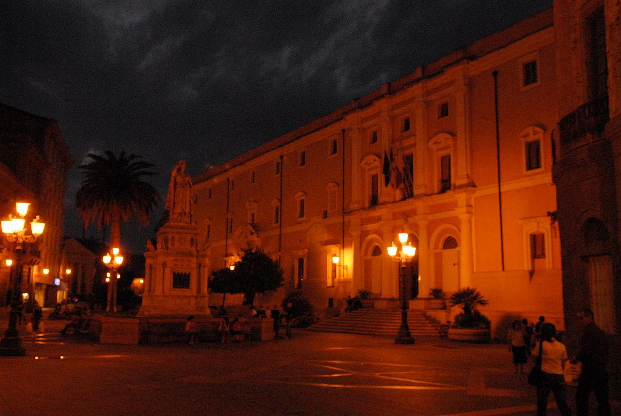 1280px-Piazza_Eleonora_Oristano_0359