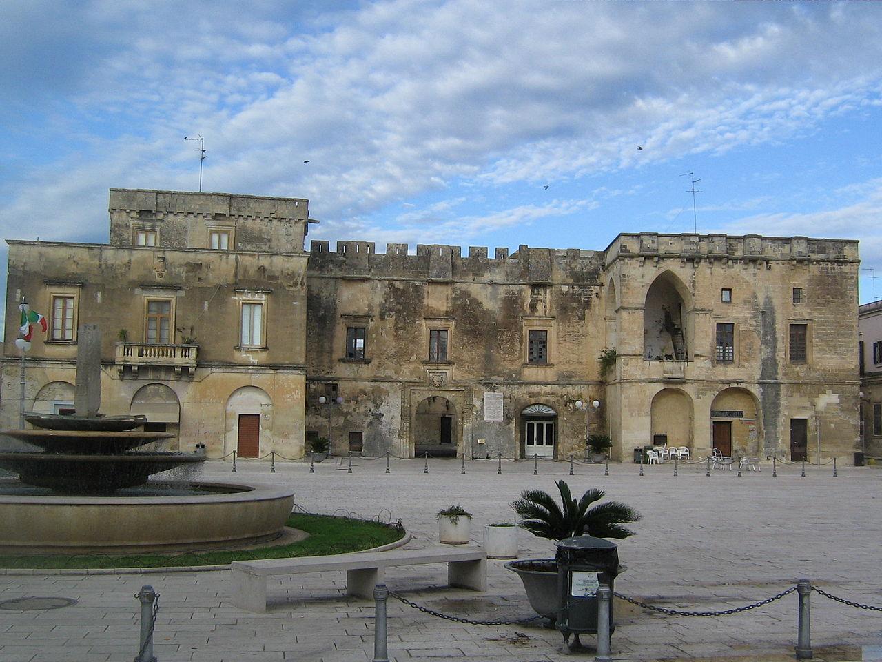 1280px-Castello_Castromediano_Cavallino