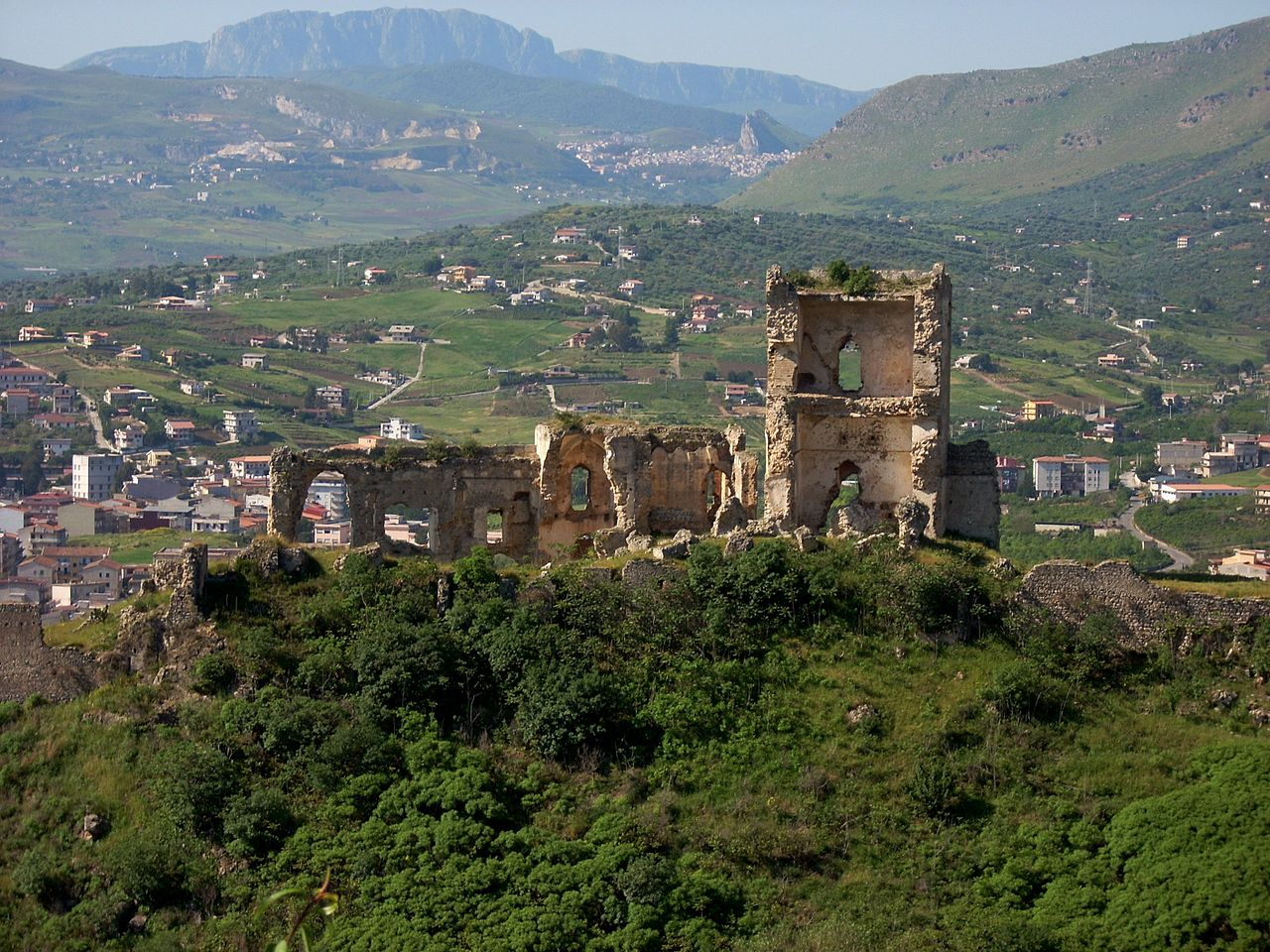 1280px-Castle_of_Misilmeri