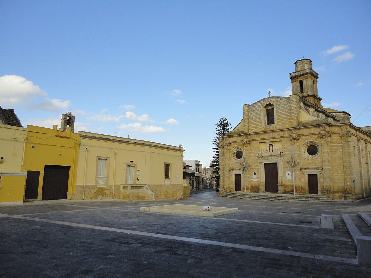 1280px-Piazza_San_Nicola_Squinzano