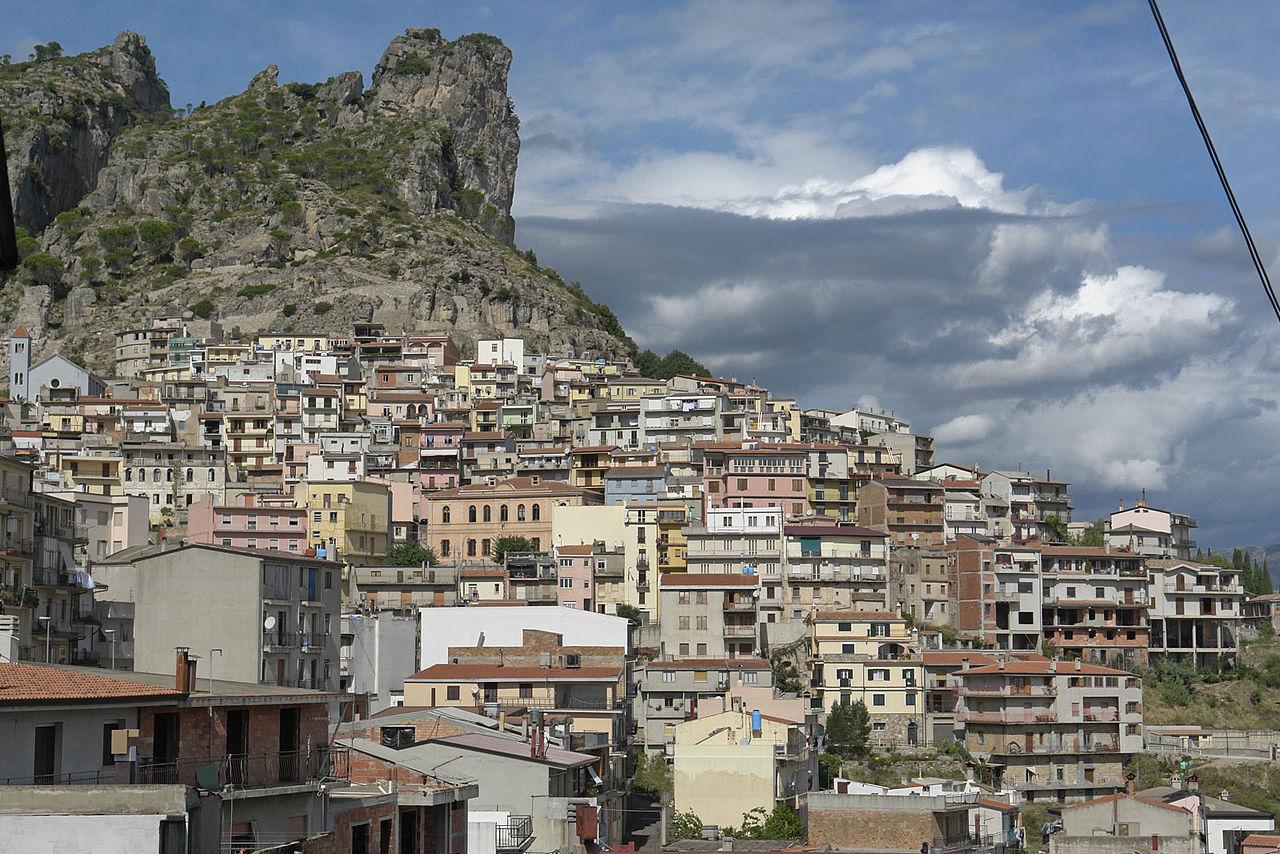 1280px-Sardinien_Ulassai