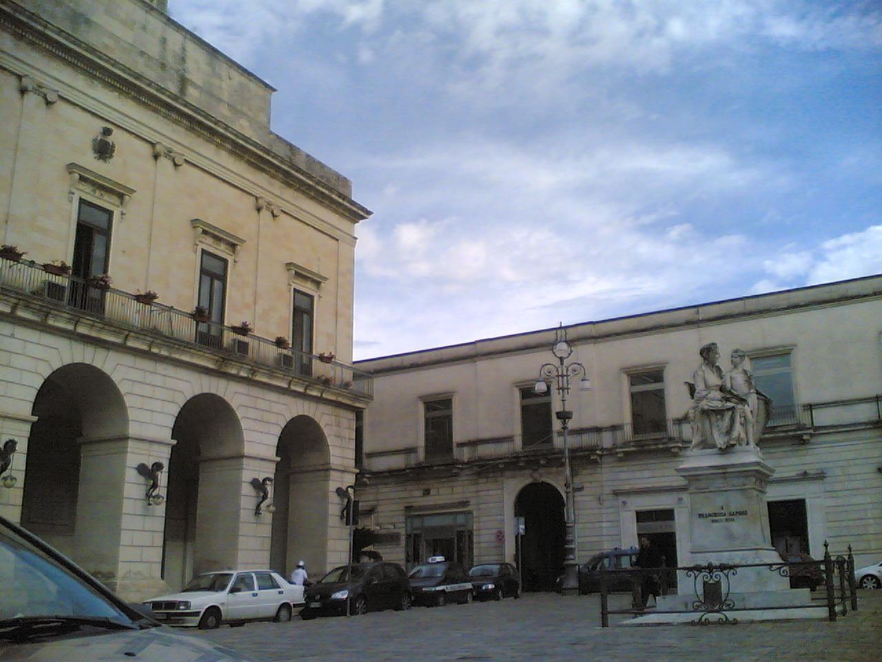 Maglie_piazza_Aldo_Moro