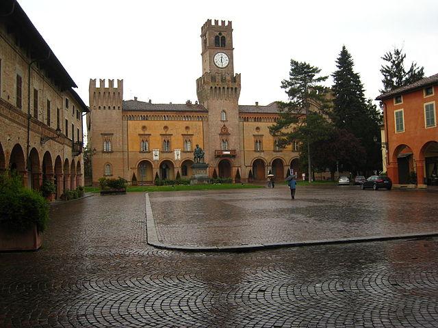 640px-Busseto-Piazza_Verdi_1
