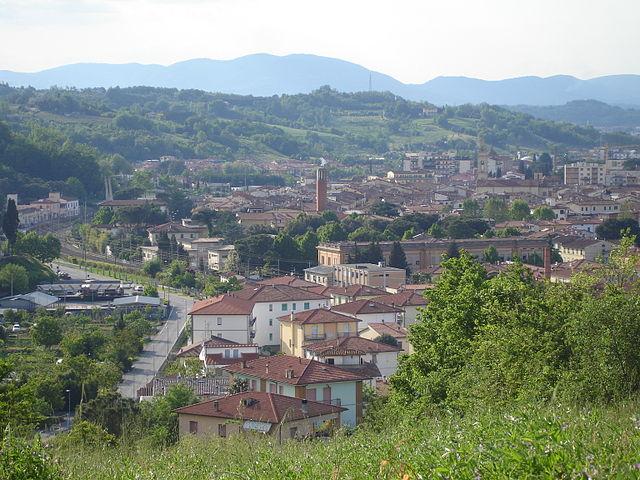 640px-Panoramamontevarchi