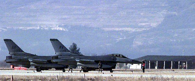 640px-Aviano_F-16