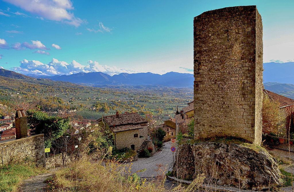 1024px-Torre_medievale_di_San_Donato_Val_di_Comino