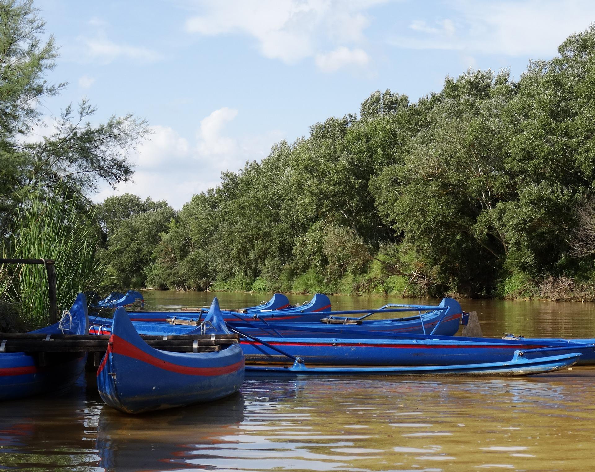 canoeing-1484634_1920
