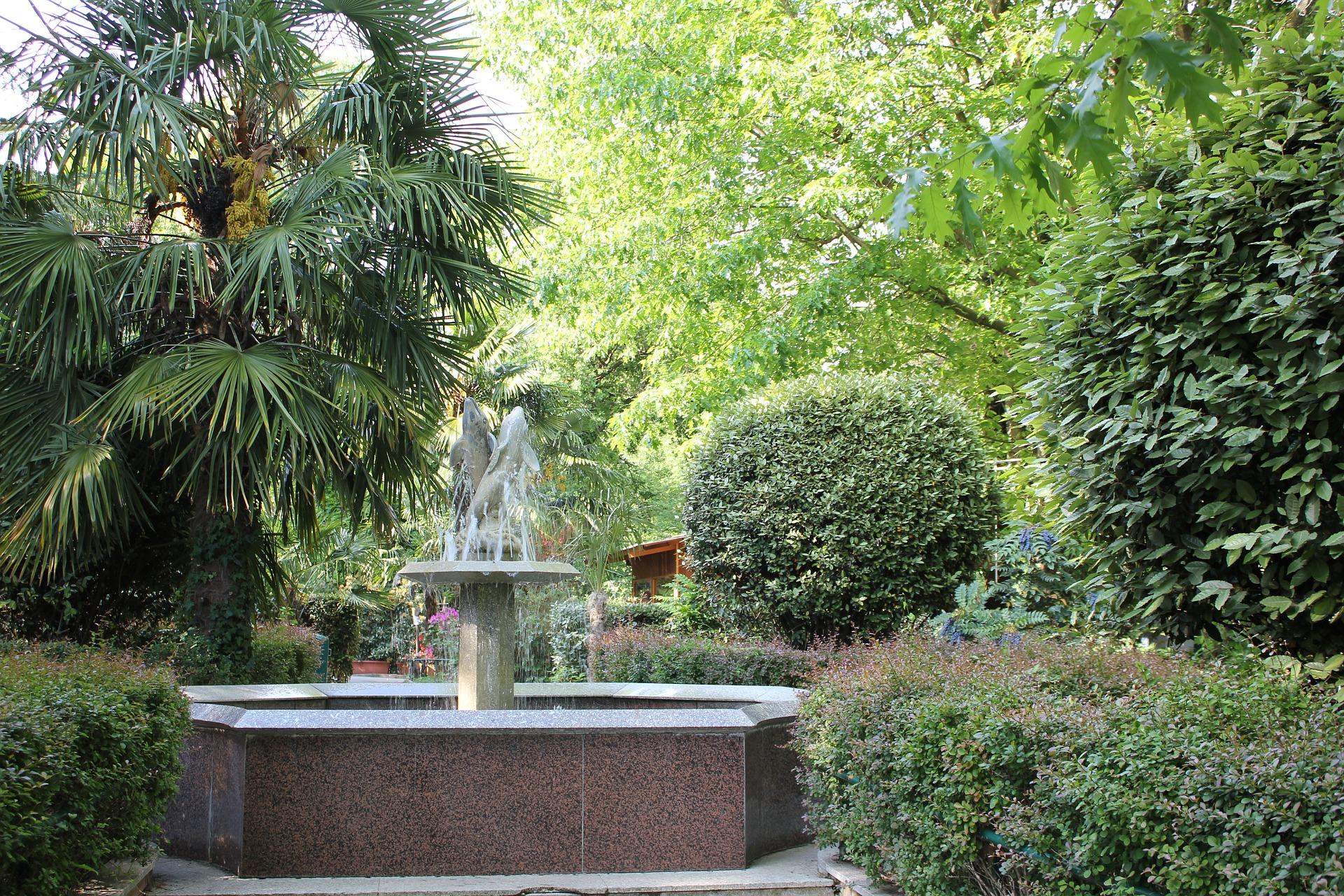 fontana-1566393_1920