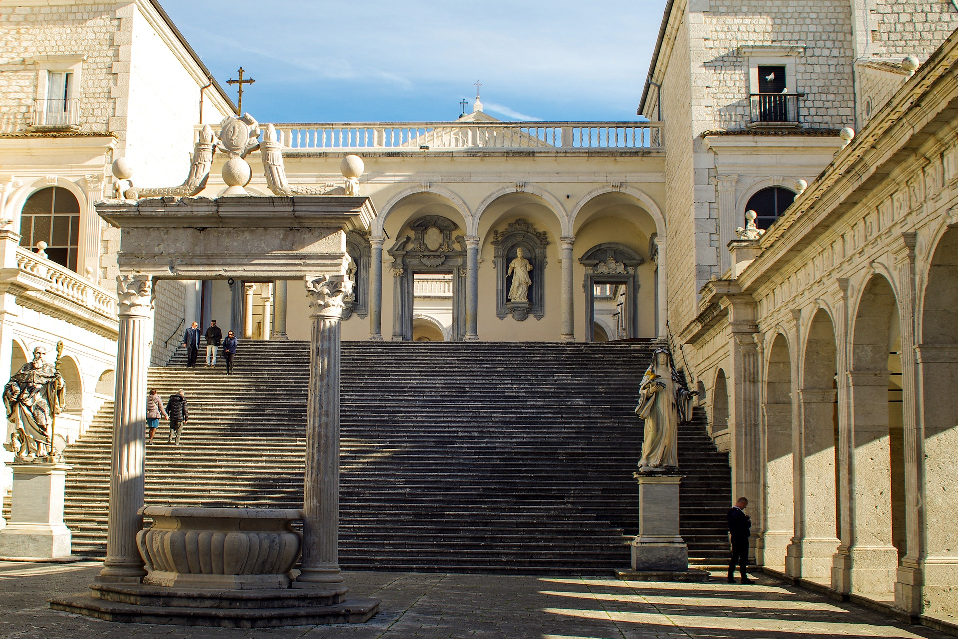 abbey-montecassino-1688650_1920