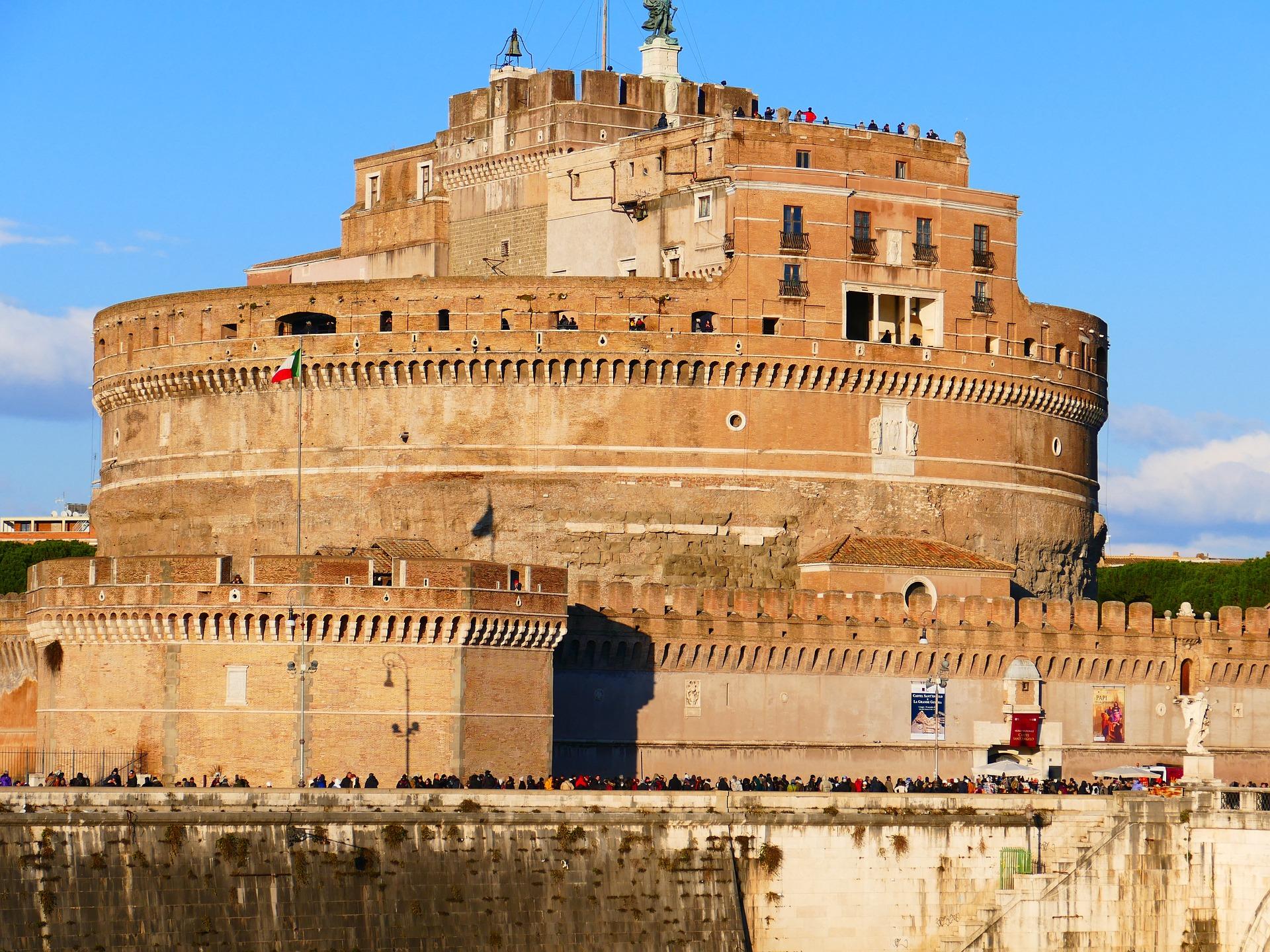 castel-santangelo-601801_1920