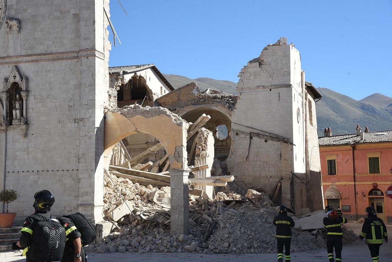 earthquake-1790911_1280